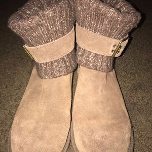 ALL BROWN UGG BOOTS